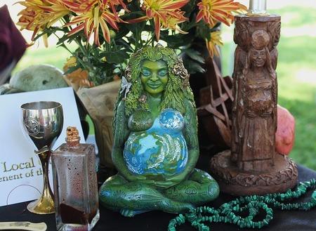 pagan-altar-1034856_640.jpg